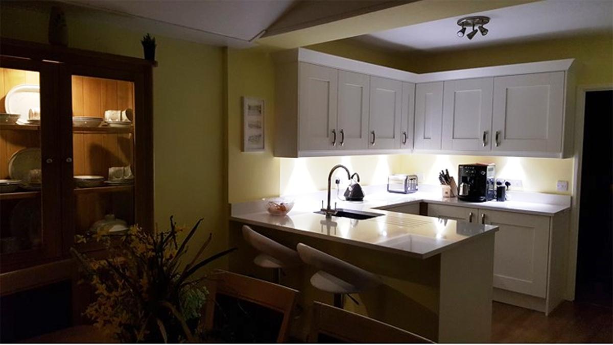 Tecaz bathroom suites - Connoisseur Milbourne Chalk With Blanco Maple Worktops